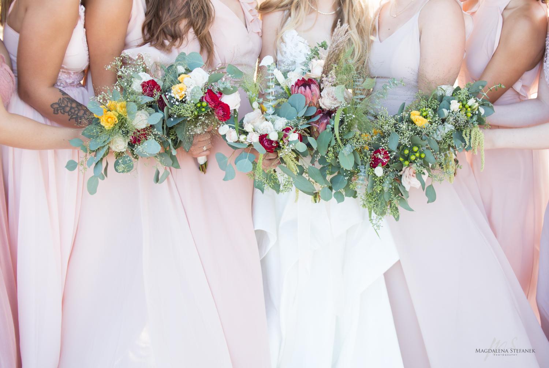 bridal flowers for romantic brides